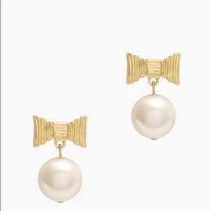 Kate Spade ♠️ all wrapped up pearls drop earrings
